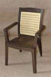 Пластиковые кресла для уличного кафе - foto 1