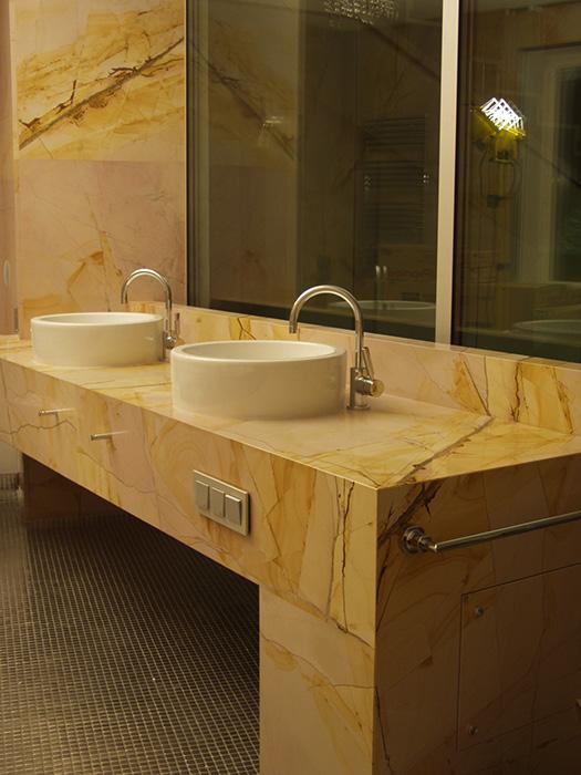 Каменная столешница под раковину в ванную