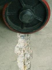 Шлифовка старого бетонного пола и обеспыливание - foto 2